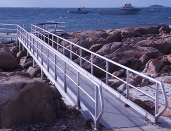 accessible_fishing_location jetty